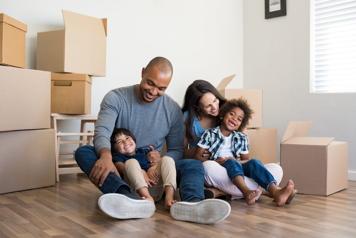 Next-Door-Relocators_How-to-Choose-a-Moving-and-Storage-Company_Image-1-1200x801.jpeg